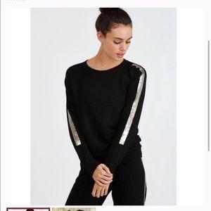 Monrow vintage raglan w foil stripe S sweatshirt